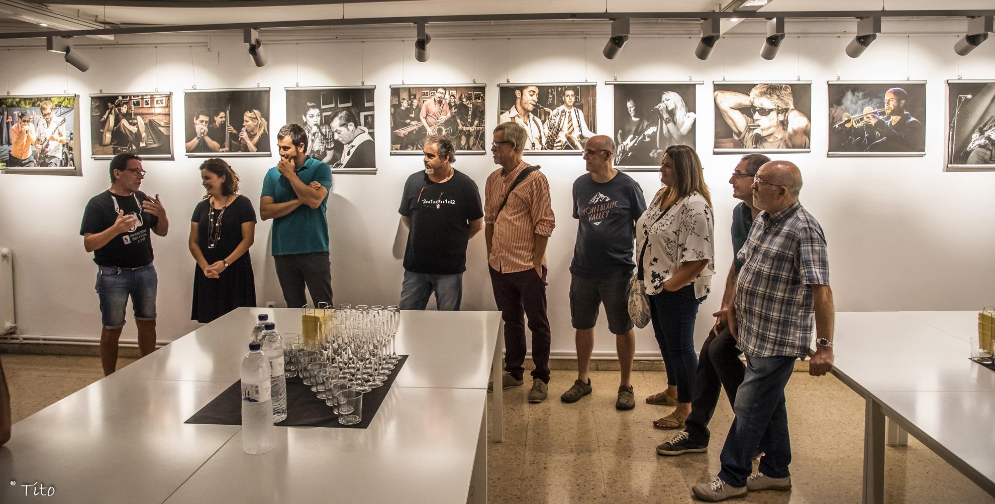 """Inauguració exposició """"Afocer & Blues"""" i exposicions en bars"""
